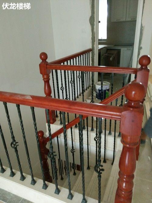 三亚铁艺楼梯扶手案例-楼梯客户