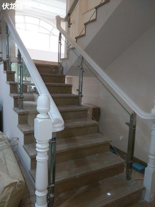 海口玻璃楼梯扶手案例17-楼梯