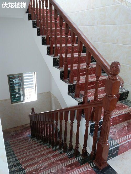 万宁楼梯扶手安装成功效果图_实木楼梯扶手
