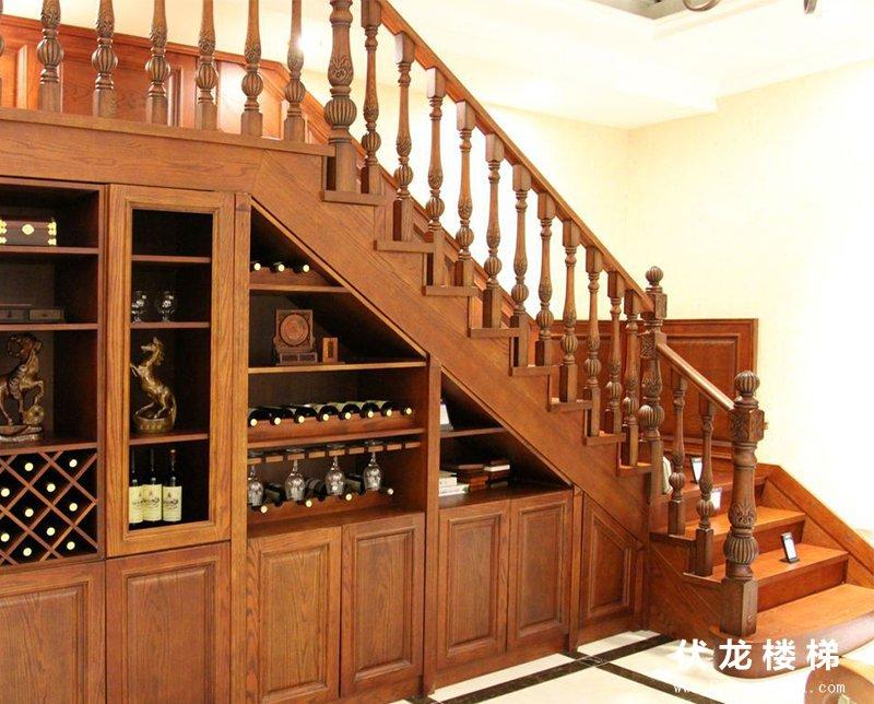 【产品14】实木整体楼梯+整体
