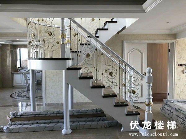 【产品6】金杯柱铁艺楼梯扶手